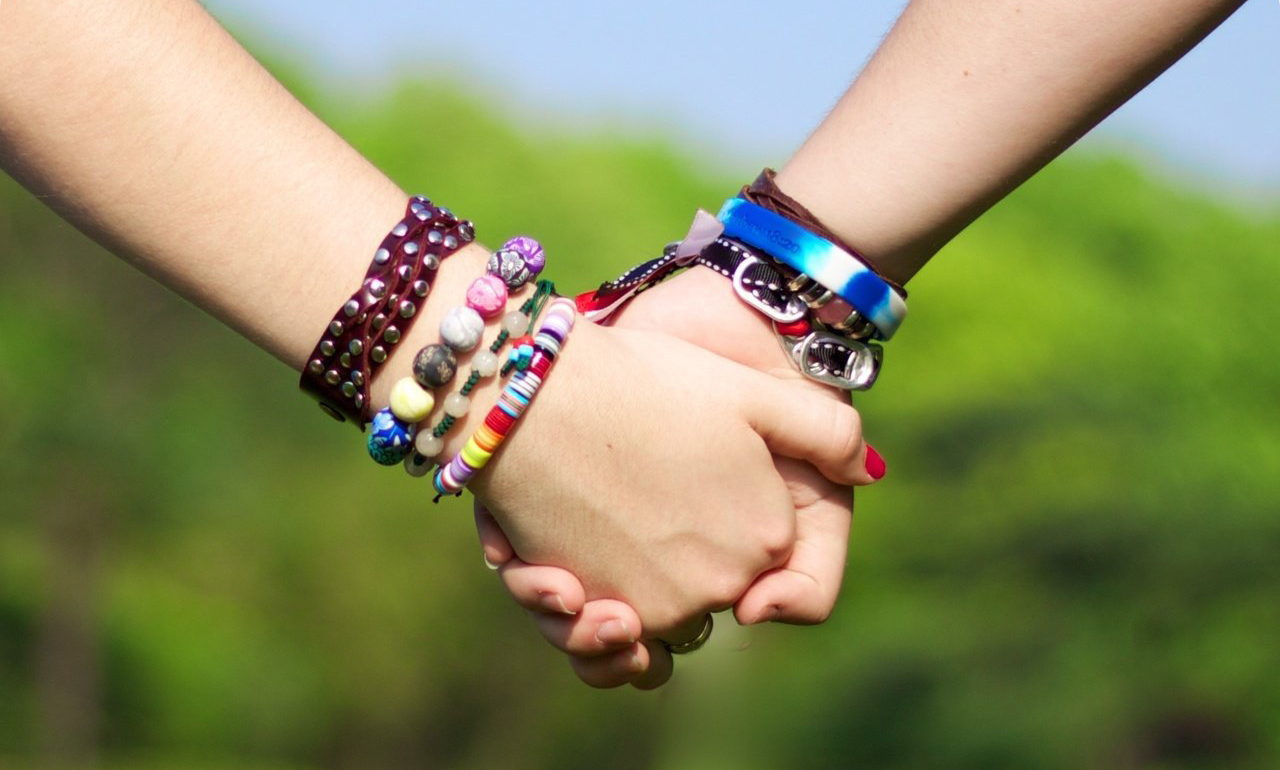 How to Celebrate Friendship Day With Friends